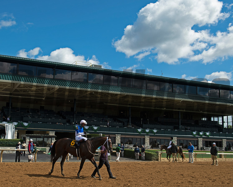 Race 1 of the fall meet with Vasariano with Ricardo Santana Jr. up circling before going into the winner's circle.<br /> Opening day of the Keeneland fall meeting on October 2, 2020.
