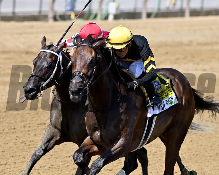 Vexatious wins the 2020 Personal Ensign Stakes at Saratoga<br /> Coglianese Photos/Joe Labozzetta