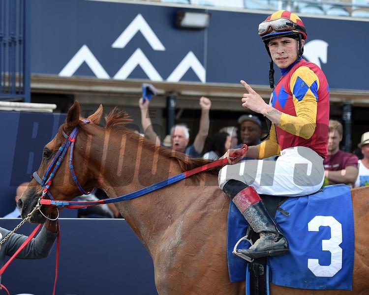 Areyoutalkingtome wins 2020 Claiming at Gulfstream Park/Jockey Mario Fuentes gets first career win. Photo: Coglianese Photos/Ryan Thompson