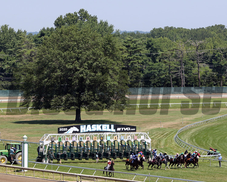 The start of Race 1 at Monmouth Park on July 18, 2020. Photo By: Chad B. Harmon