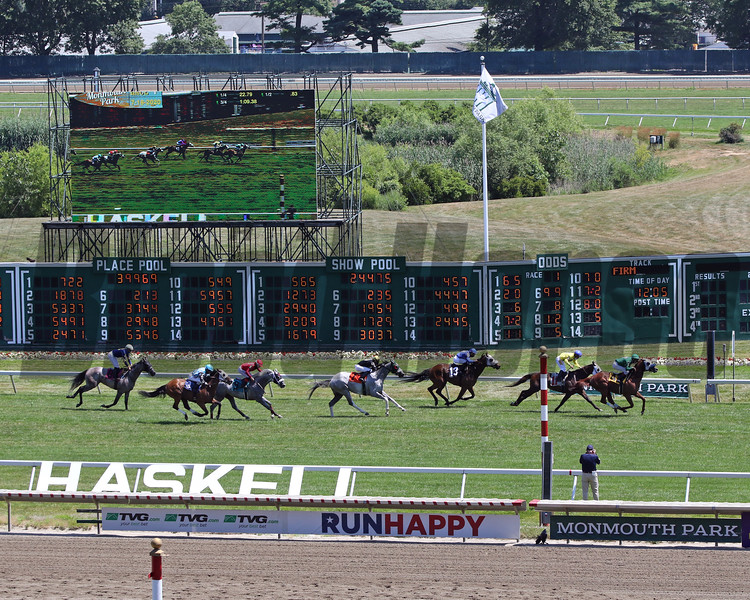 The finish of Race 1 at Monmouth Park on July 18, 2020. Photo By: Chad B. Harmon