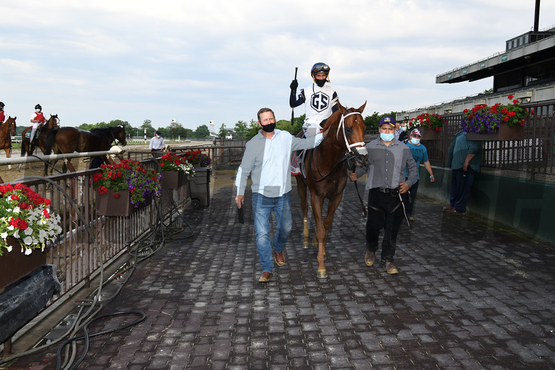 Vekoma wins the 2020 Runhappy Carter Handicap at Belmont Park<br /> Coglianese Photos