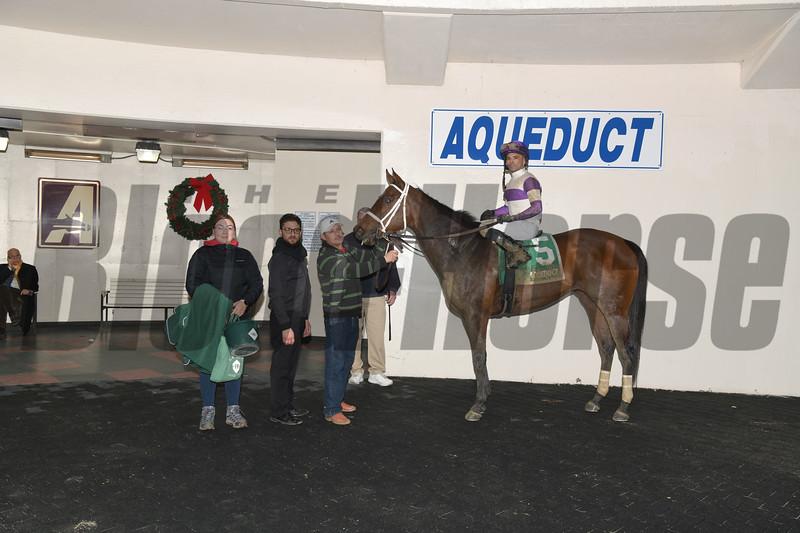 Cash Offer wins the 2020 La Verdad Stakes at Aqueduct. Photo: Coglianese Photos
