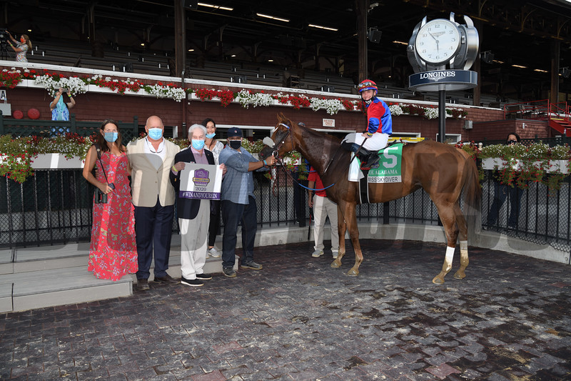 Swiss Skydiver wins the 2020 Alabama Stakes<br /> Coglianese Photos