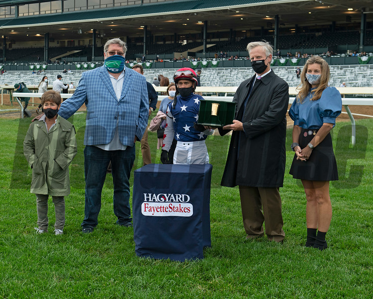 (L-R): Tammy Fox, Dale Romans, Javier Castellano, Hagyard presenters Luke and Nancy Fallon. Mr Freeze with Javier Castellano wins the Hagyard Fayette (G2) at Keeneland on October 3, 2020. Photo: Anne M. Eberhardt
