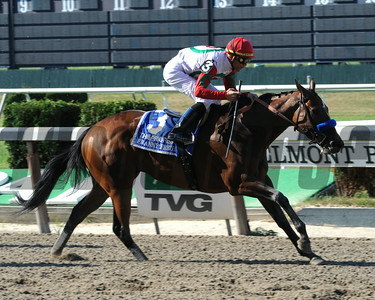Frany Freud wins the Prioress Stakes. Coglianese Photos