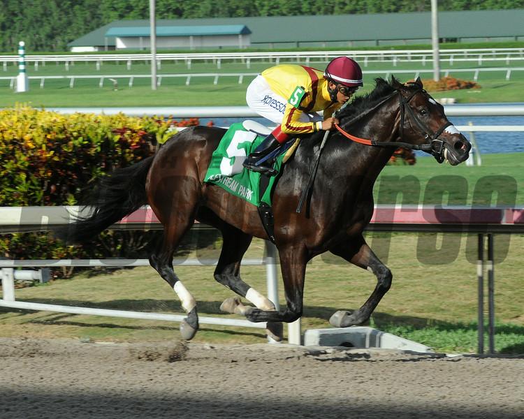 Atreides wins the Monarchos Stakes.<br /> Coglianese Photos/Leslie Martin