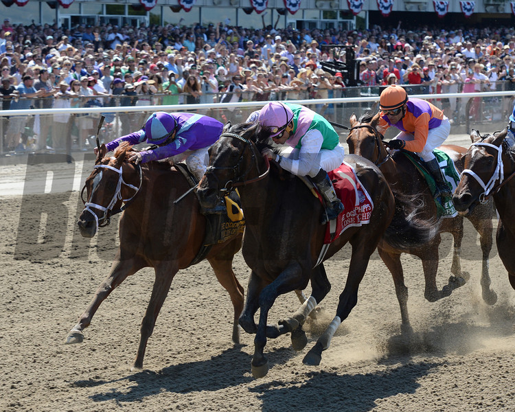 Close Hatches wins the 2014 Ogden Phipps Stakes.<br /> Coglianese Photos