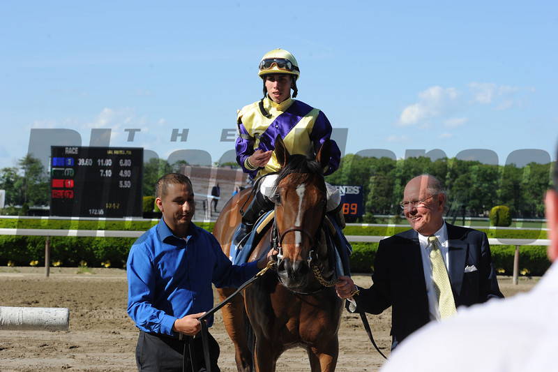 Sea Queen wins the Wonder Again Stakes.<br /> Coglianese Photos