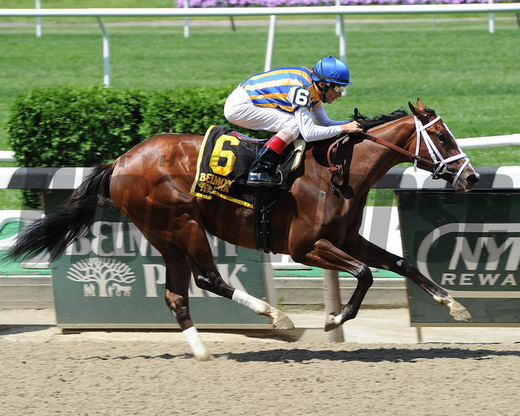 Fashion Alert wins the 2014 Astoria Stakes at Belmont Park.<br /> Coglianese Photos