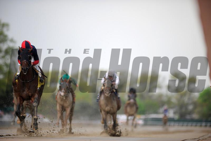 Tonalist wins the 2014 Peter Pan Stakes.<br /> Coglianese Photos