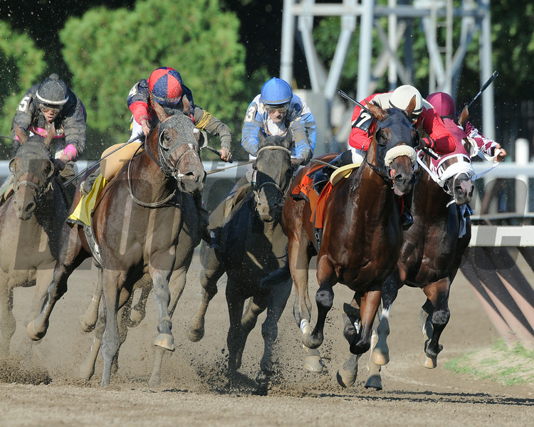 Wicked Strong wins the 2014 Jim Dandy at Saratoga.<br /> Coglianese Photos/Eddie Davis