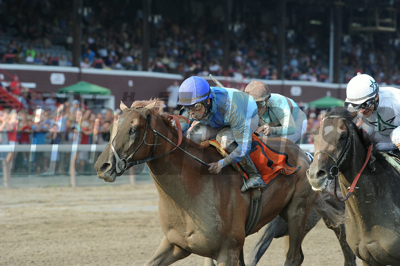 V. E. Day wins the 2014 Curlin Stakes at Saratoga.<br /> Coglianese Photos/Adam Mooshian