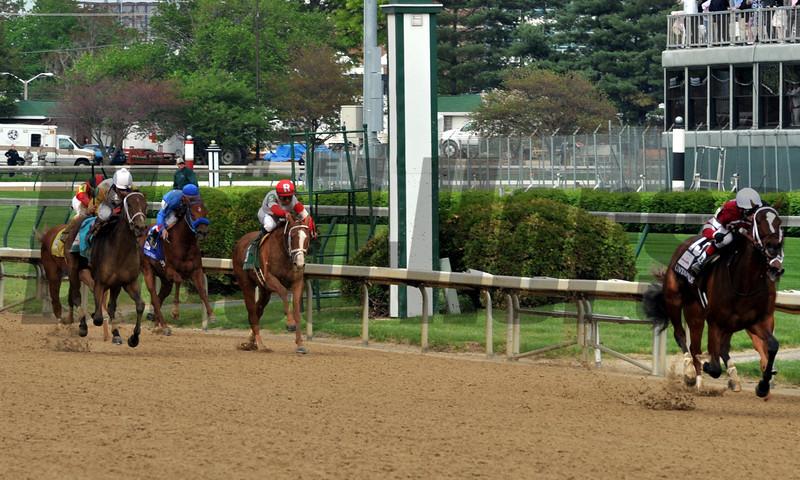 Untapable wins the 2014 Kentucky Oaks.<br /> Dave Harmon Photo