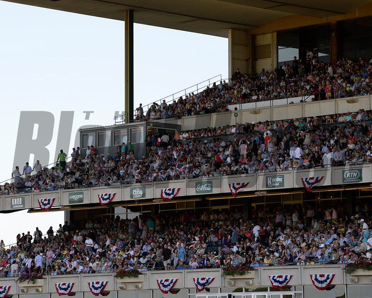 Caption:CROWD<br /> Belmont Stakes day on June 7, 2014, at Belmont Park in Elmont, N.Y.<br /> 10-Manhattan1 image804<br /> Photo by Anne M. Eberhardt