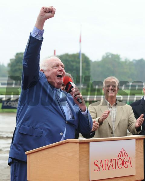 Tom Durkin's retirement ceremony following his final call at Saratoga.<br /> Coglianese Photos/Susie Raisher
