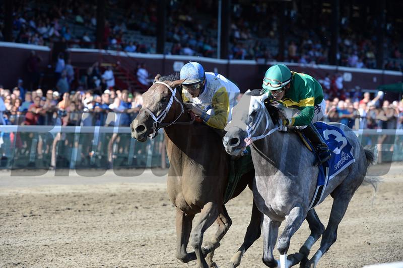 Unbridled Forever wins the 2015 Shine Again Stakes.<br /> Coglianese Photos/Adam Mooshian