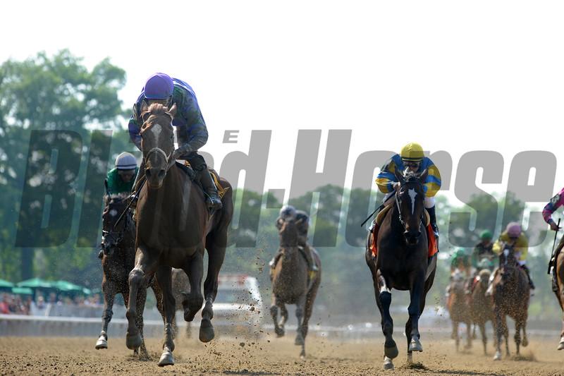 Quezon wins the 2015 Bouwerie Stakes.<br /> Coglianese Photos