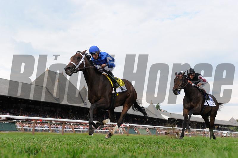 Sentiero Italia wins the 2015 Maker's Mark Lake Placid Stakes.<br /> Coglianese Photos/Adam Mooshian