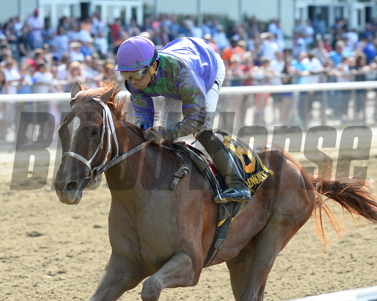 Quezon wins the 2015 Bouwerie Stakes.<br /> Coglianese Photos/Joe Labozzetta