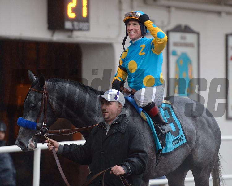 El Kabeir wins the 2015 Jerome Stakes.<br /> Coglianese Photos