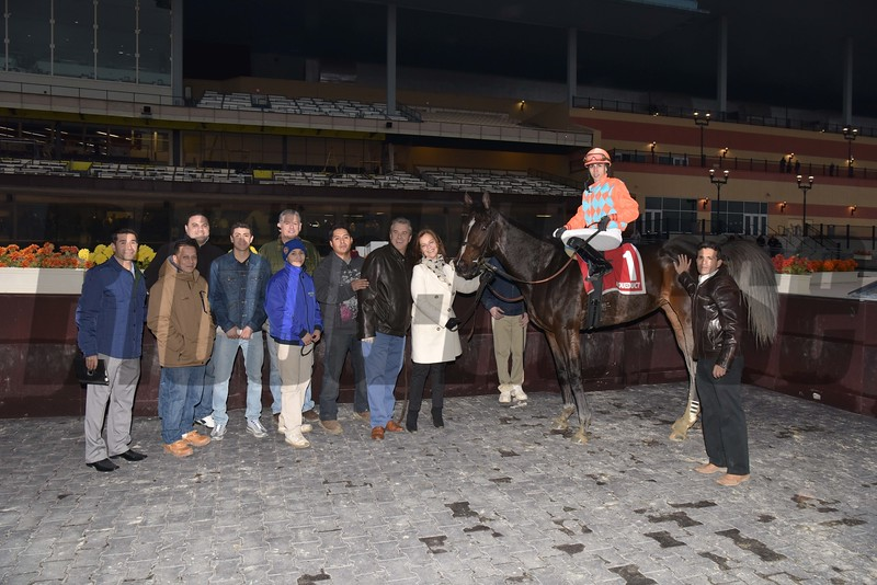 Frosty Margarita wins the 2015 Key Cents Stakes.<br /> Coglianese Photos