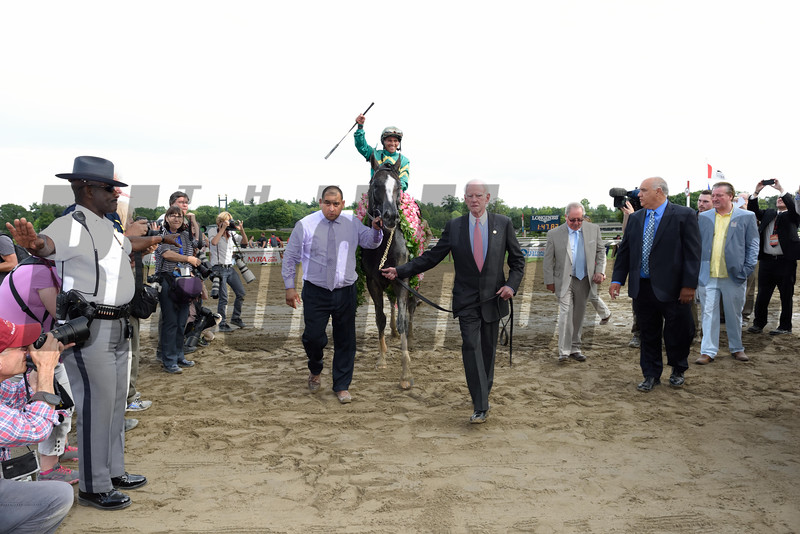 Honor Code wins the 2015 Whitney.<br /> Coglianese Photos