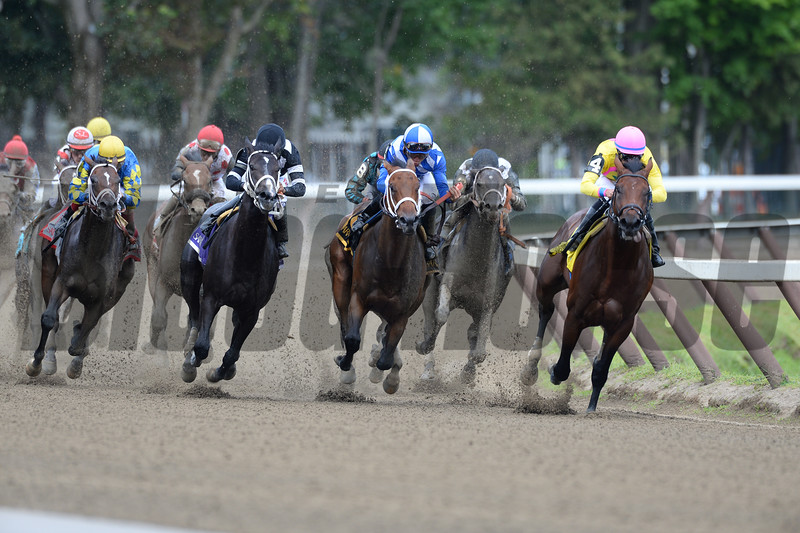 Uncle Vinny (left) wins the 2015 Sanford via disqualification.<br /> Coglianese Photos