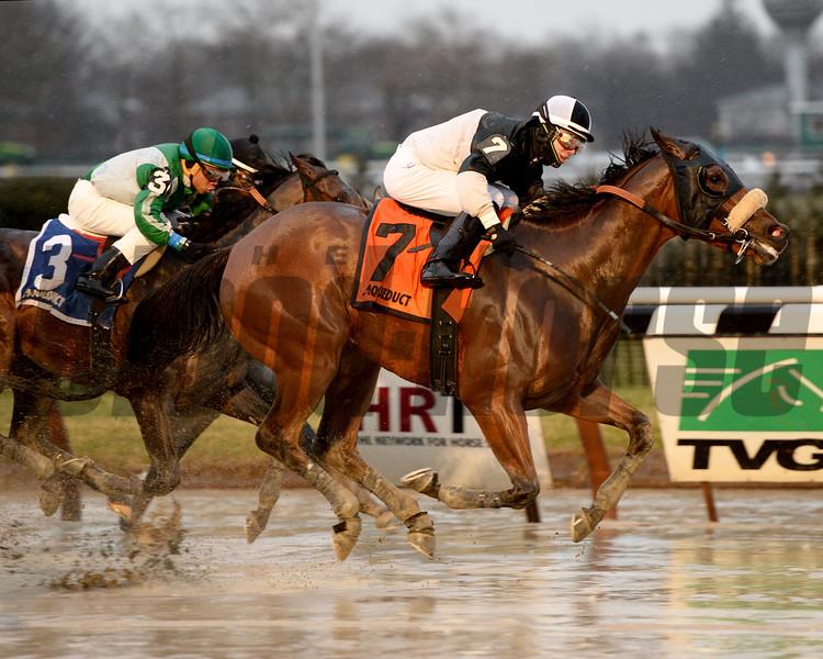 Captain Serious wins the Hollie Hughes Stakes.<br /> Coglianese Photos/Joe Laozzetta