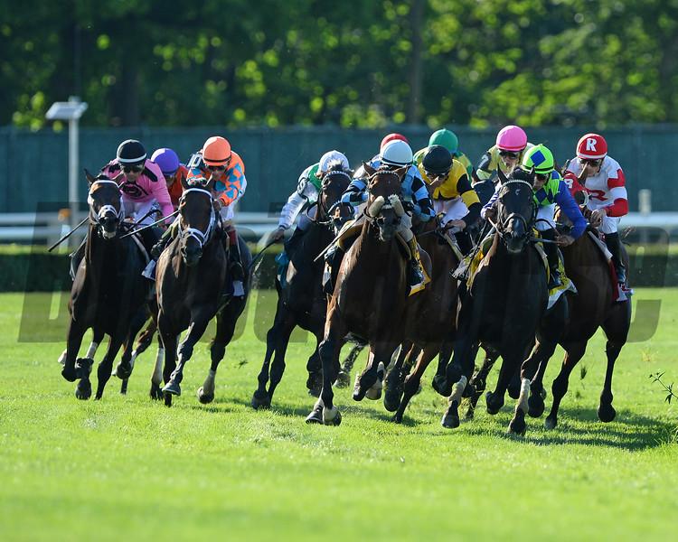 Slumber wins the 2015 Manhattan Stakes<br /> Coglianese Photos/Joe Labozzetta