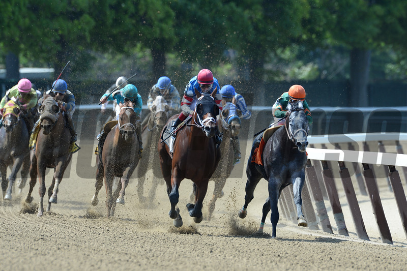 Ostrolenka wins the 2015 Mike Lee Stakes.<br /> Coglianese Photos/Joe Labozzetta