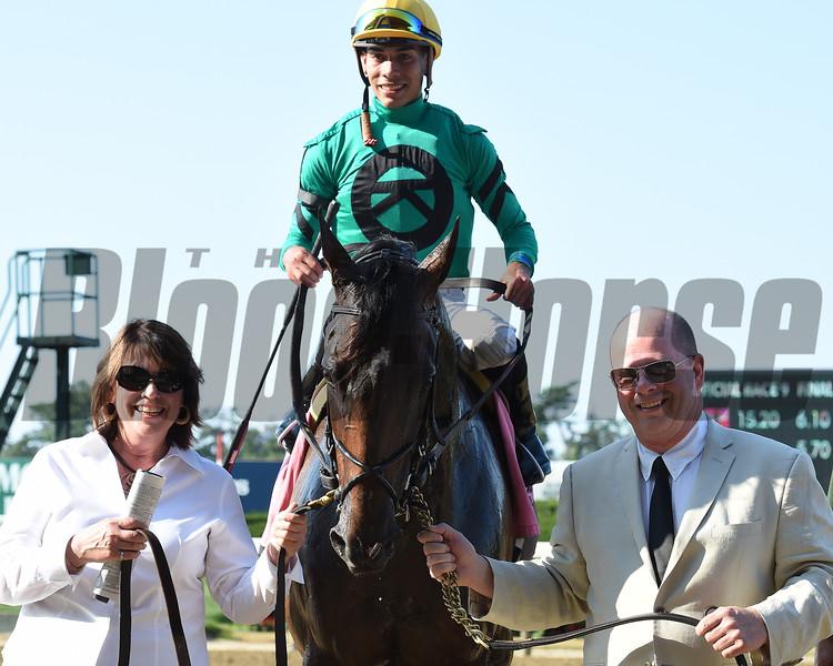 King Kreesa wins the 2015 Forbidden Apple Stakes.<br /> Coglianese Photos