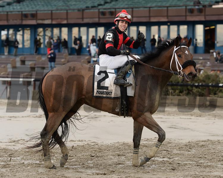 Paulassilverlining wins the Ruthless Stakes.<br /> Coglianese Photos/Joe Labozzetta