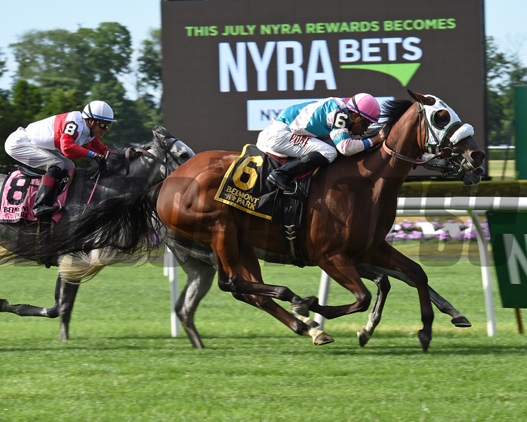 My Sweet Girl wins the 2016 Perfect Sting Stakes.<br /> Coglianese Photos/Chelsea Durand
