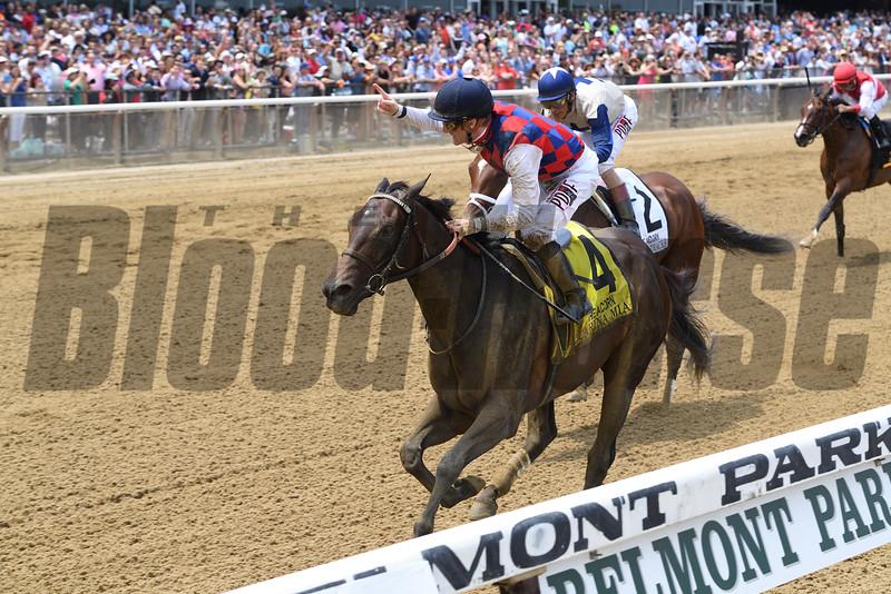 Carina Mia wins the 2016 Acorn Stakes.<br /> Coglianese Photos/Chelsea Durand