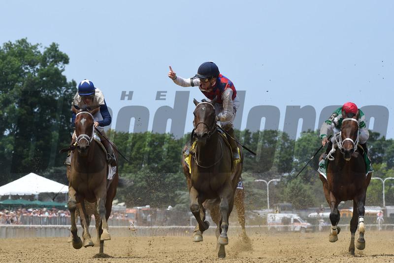 Carina Mia wins the 2016 Acorn Stakes.<br /> Coglianese Photos