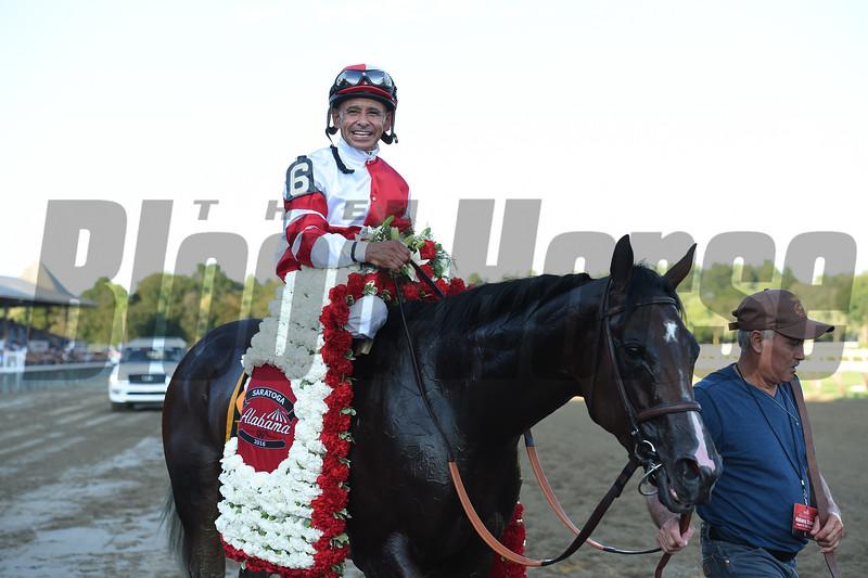 Songbird wins the 2016 Alabama.<br /> Coglianese Photos/Chelsea Durand