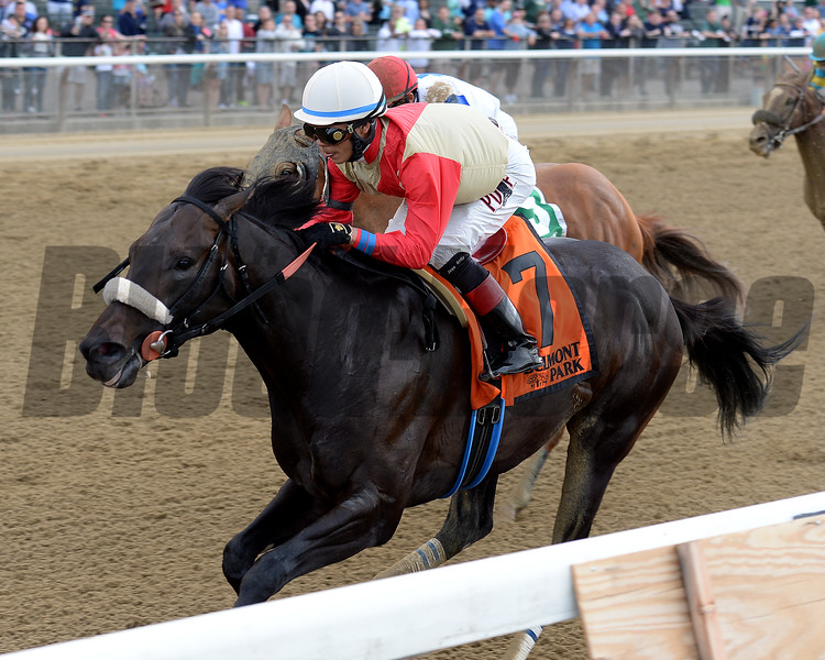 Unified wins the 2016 Peter Pan Stakes. <br /> Coglianese Photos/Chelsea Durand