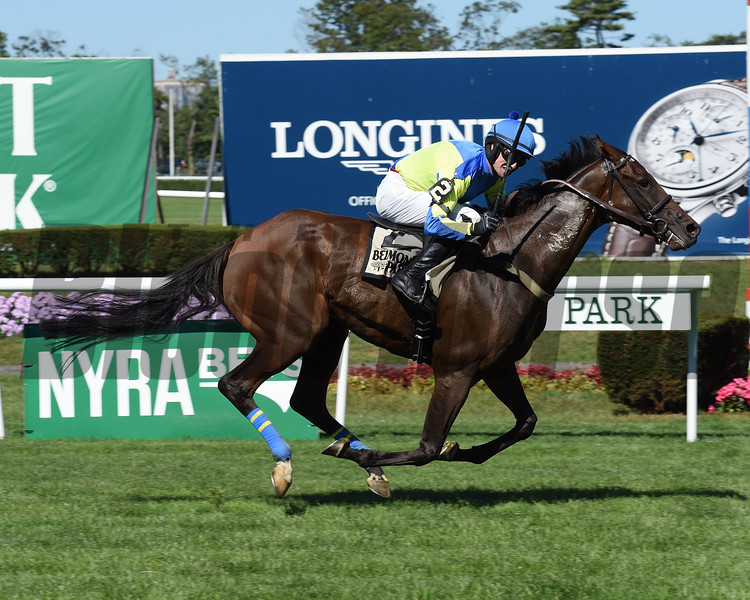 Scorpiancer wins the 2016 Lonesome Glory Handicap.<br /> Coglianese Photos/Chelsea Durand