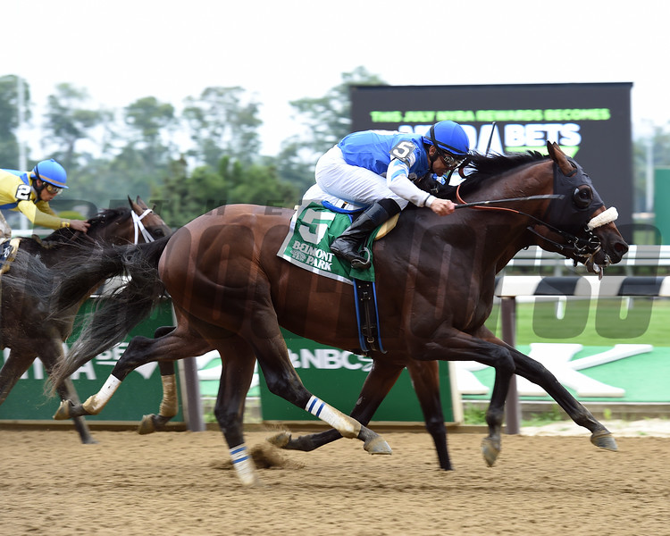Effinex wins the 2016 Suburban.<br /> Coglianese Photos/Susie Raisher