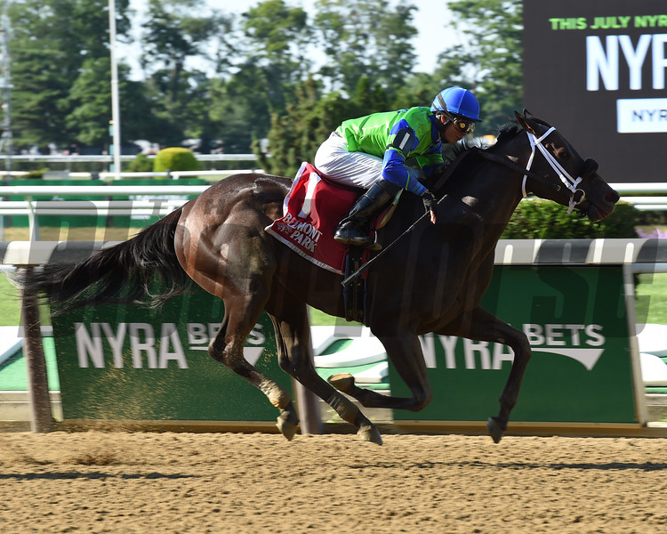 By the Moon wins the 2016 Bed o' Roses Handicap.<br /> Coglianese Photos