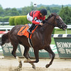 Weekend Hideaway wins the Commentator Stakes May 30, 2016<br /> Coglianese Photos