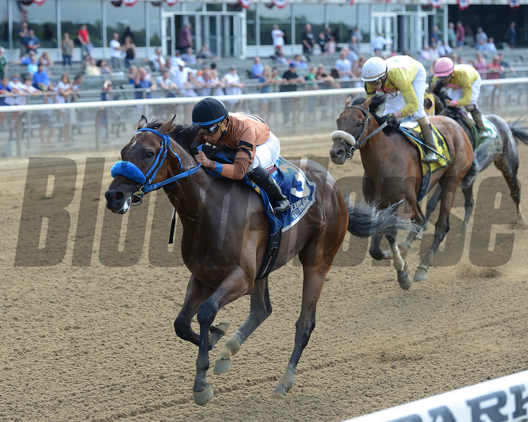 Wake Up in Malibu wins the 2016 Saginaw Stakes.<br /> Coglianese Photos/Chelsea Durand