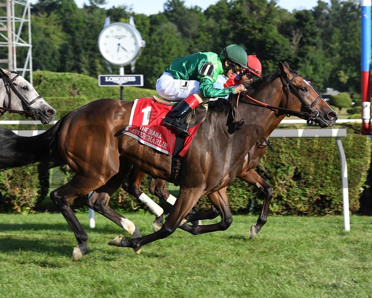 Sistercharlie wins the 2018 Diana Stakes<br /> Coglianese Photos/Susie Raisher