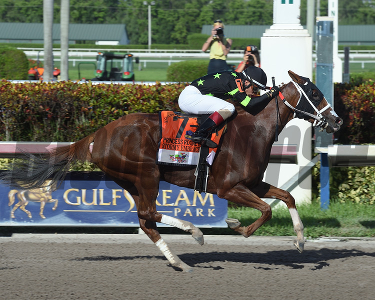 Stormy Embrace wins 2018 Princess Rooney Stakes at Gulfstream Park. Photo: Coglianese Photos/Leslie Martin