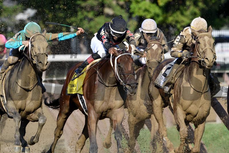Eskimo Kisses wins the Alabama Stakes at Saratoga Saturday, August 18, 2018. Photo: Coglianese Photos/Arianna Spadoni