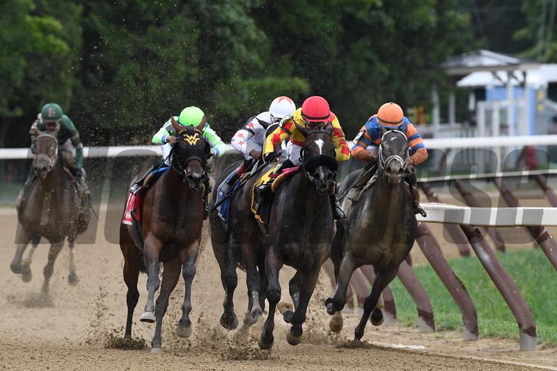 Sue's Fortune wins the 2018 Adirondack Stakes<br /> Coglianese Photos/Robert Mauhar
