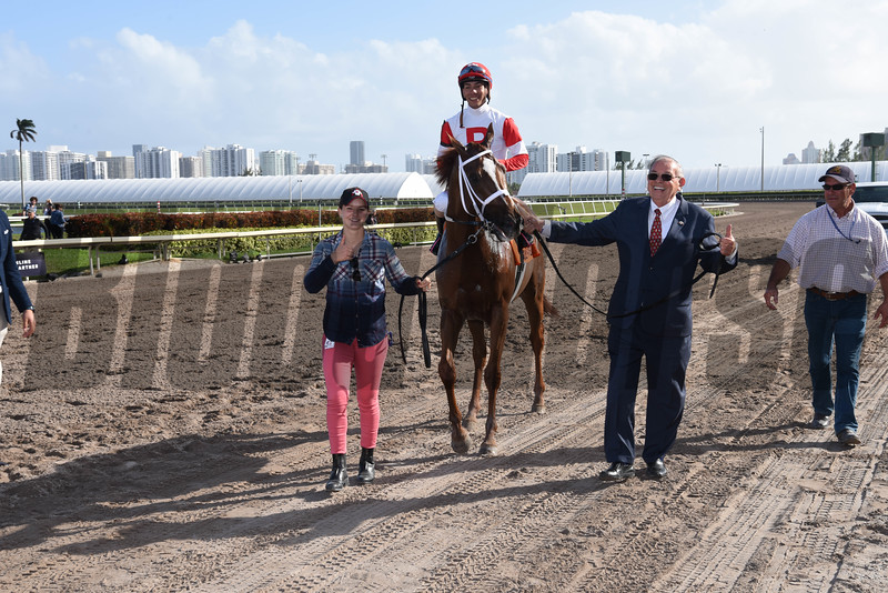 Oscar Nominated wins the 2018 W. L. McKnight Handicap<br /> Coglianese Photos