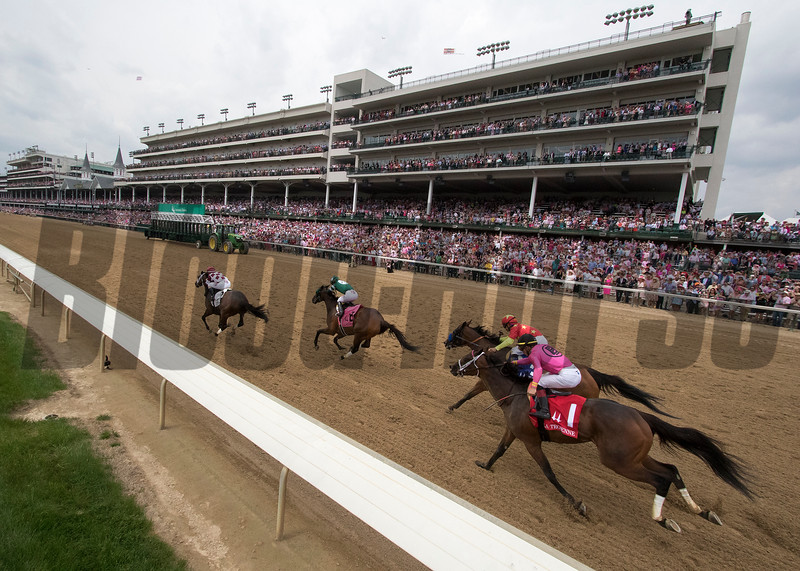 The field heading down the strech in the La Troienne at Churchill Downs on May 4, 2018.