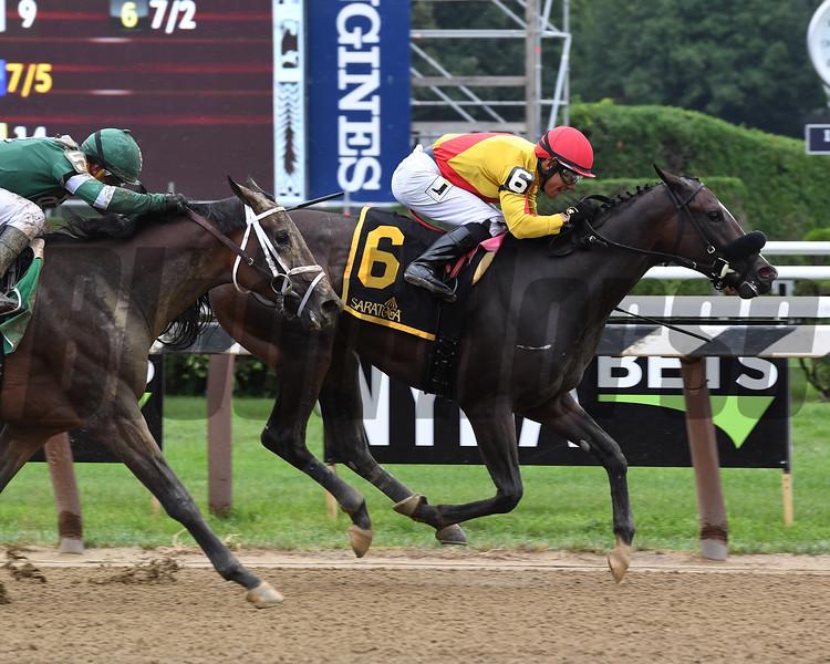 Sue's Fortune wins the 2018 Adirondack Stakes<br /> Coglianese Photos/Susie Raisher